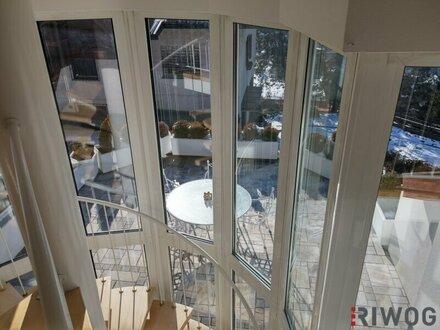 Blick von der Galerie auf die Terrasse