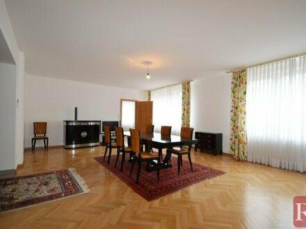 Nähe Sternwartepark - Großzügiges Haus mit vielen Optionen