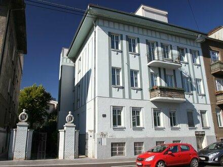WOHNUNGSPAKET in GERSTHOFER COTTAGE : 90 m² Wohnung mit 104 m² Dachterrasse und 80 m² Geschäftslokal im selben Haus