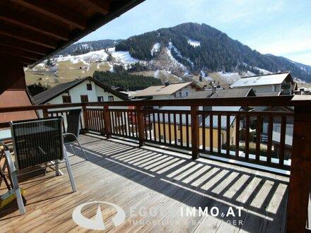 Rauris: neuwertige, zentral gelegene 4 Zimmer Dachgeschoßwohnung mit ca. 100 m² / sehr sonnig, unverbaubarer Weitblick ,…
