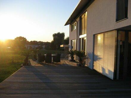 Modernes Haus am Grünland