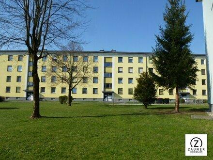 Geräumige 4 Zi.-Wohnung mit viel Grünfläche rund ums Haus - nähe Schloß Kleßheim