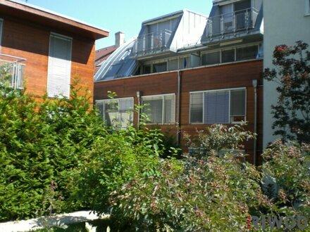 2,5 Zimmer-Wohnung mit großzügiger Wohnküche und Loggia in den Innenhof gerichtet