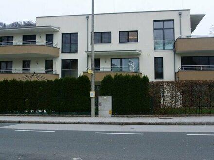 Helle 3-Zimmer-Wohnung mit Terrasse in Parsch