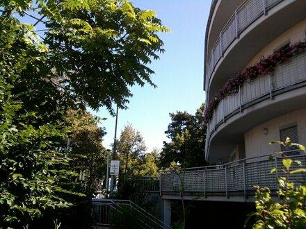 2 Zimmerwohnung mit Bakon bei Türkenschanzpark!