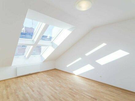 Helle Dachgeschosswohnung in toller Lage