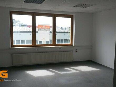 Salzburg Nord - modernisierte Büroeinheit zu vermieten