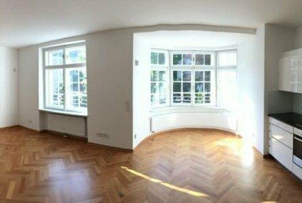 Exclusive 3-Zimmer-Wohnung in einem Altstadtpalais - !!!!!!! provisionsfrei für den Mieter!!!!!!!!