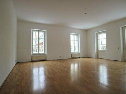 Größzügige 3-Zimmer-Wohnung mit Wintergarten und Terrasse