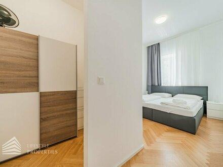 ERSTBEZUG! Exklusive 4-Zimmer Altbauwohnung mit Balkon, Nähe Volksoper