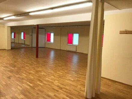 Helle Büro-/Praxis-/Geschäftsräumlichkeiten in Maxglan (Glangasse) zu vermieten