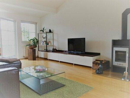 2 Zimmer Wohnung - Giebelhohes DG-Wohnen - Siezenheim