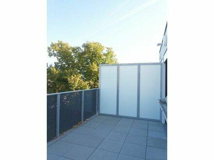 ERSTBEZUG 2 Zimmer DG Wohnung mit Terrasse und Balkon