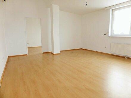 Unbefristete 87m² DG-Wohnung mit 3 Zimmern und Klimaanlage - 1110 Wien