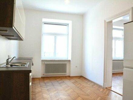 ERSTBEZUG! Generalsanierte 2-Zimmer-Wohnung mit Schlafzimmer in den Innenhof in Schallmoos in schönem Altstadthaus