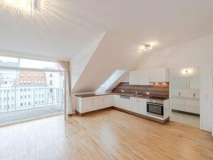 ++NEU** Hofruhelage: großzügige 3-Zimmer DG-Wohnung mit Balkon in Toplage! Burggasse-Stadthalle, riesige Wohnküche!