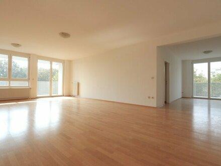 EUM - Upper West 119! 4-Zimmer-Balkonwohnung mit Grünblick im 5. Liftstock