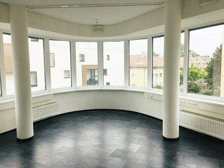 lässig & top modern - Büro/Ordinationin frequentierter Lage nahe Landeskrankenhaus