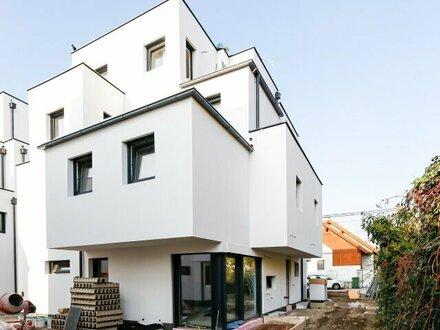 Neubau Doppelhaushälfte mit konkurrenzloser Ausstattung und Weitblick