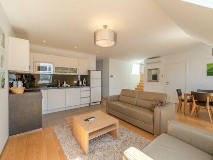 ++NEU++ Exklusive, voll möblierte 4,5-Zimmer DG-Wohnung, sehr hochwertige Ausstattung, bezugsfertig! nahe AUGARTEN, fully…