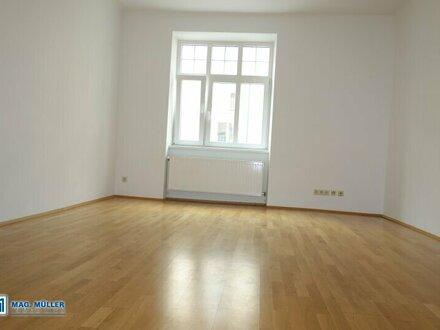 Citylife! Cahrmante 2-ZI-Wohnung für Zwei in Jahrhundertwende-Villa - WG geeignet