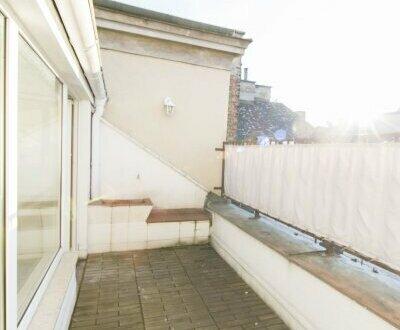 TOP sanierte DG-Wohnung mit Terrasse in ruhiger Lage in 1090 Wien zu vermieten!