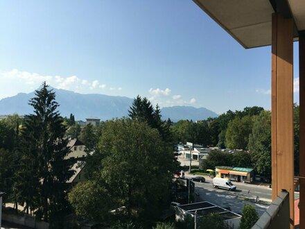 Provisionsfrei für den Mieter - 3 Zi. Dachgeschosswohnung mit großer Loggia - über den Dächern von Salzburg Liefering