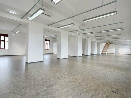Loft-Büro im Dachgeschoß mit Traumterrasse in ehemaliger Zuckerlfabrik!