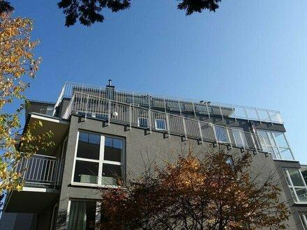 Sonnendurchflutete Dachgeschoss-Maisonette mit großen Terrassen - 5 Zimmer - Klima-Anlage - Garagenstellplätze möglich
