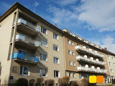 Provisionsfrei: Helle, renovierte 3-Zimmer-Wohnung
