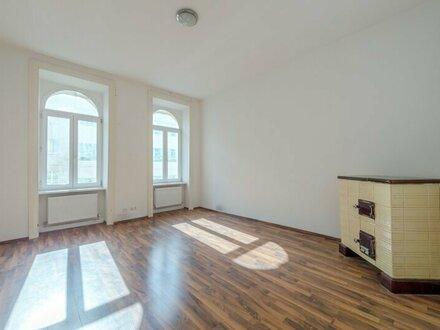 ++NEU** Modernisierungsbedürftige 2-Zimmer Altbauwohnung, toller, sanierter Stilaltbau!