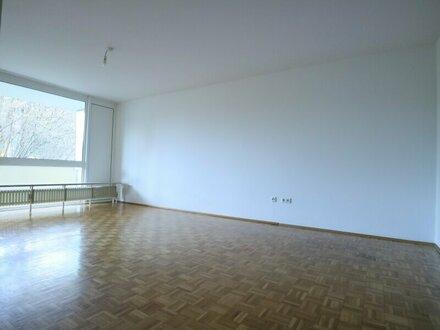 Zentrale 2-Zimmer-Wohnung mit Balkon in Parsch