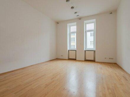 ++NEU** Modernisierungsbedürftige 2-Zimmer Altbauwohnung, toller Stilaltbau, 6m² Loggia!