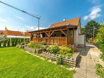 ++NEU++ Kleines Einfamilienhaus mit großem Garten und Veranda in guter Lage!
