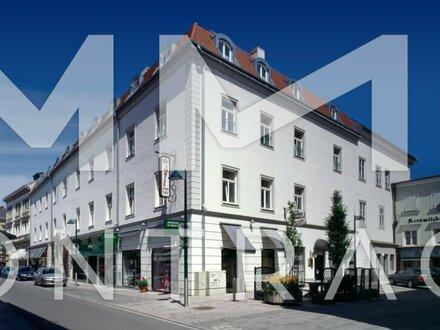 ** kurzfristig verfügbar ** Sonnige 3-Zimmer-Wohnung mit neuer Küche und großer Terrasse / Pfarrgasse 15A