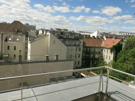 Dachgeschosswohnung mit PRIVATSPHÄRE - Terrasse /ruhige Lage in U3 Nähe