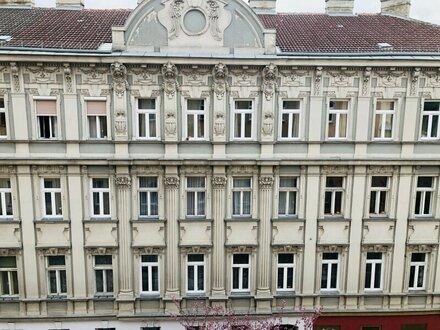 Sanierungsbedürftige Wohnung mit ca.120m² 4.Zimmer