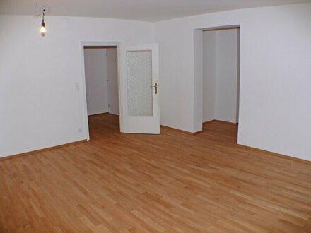 Freundliche 4 Zi. Wohnung mit Loggia in Niederalm