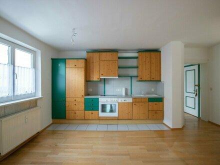 WG geeignet: 3-Zimmer-Wohnung mit großer Terrasse im Stadtteil Salzburg Süd