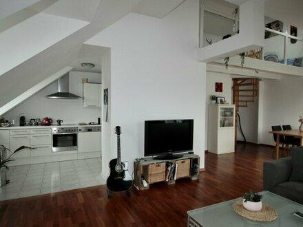 Zentrale Dachgeschosswohnung mit uneinsehbarer Terrasse!