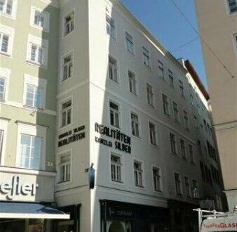 Tolle und sanierte Altbauwohnung mitten in der Altstadt direkt am Platzl!