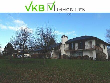 Repräsentative Landhausvilla mit großem Grundanteil und zwei abgeschlossenen Wohneinheiten!
