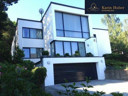 Moderne Architektenvilla mit besonderem Flair