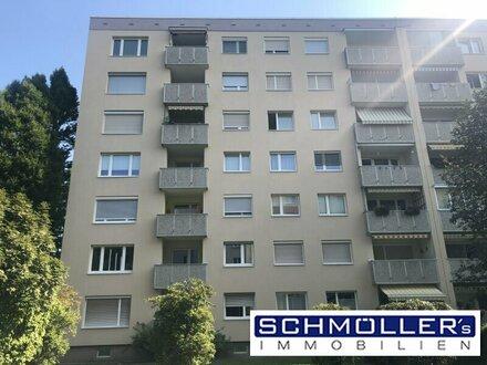 Sehr gepflegte und modernisierte 4-Zimmer Wohnung mit kleiner Loggia und eigenem Parkplatz!