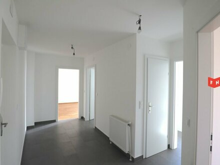 Schöne generalsanierte 3 Zimmer Wohnung in U-Bahnnähe (WG geeignet!)