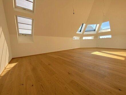 Modernes Dachgeschoss Atelier | Erstbezug am Brunnenmarkt!
