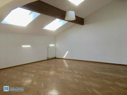 Geräumige 4 Zi.- DG-Wohnung im Ortskern von Henndorf