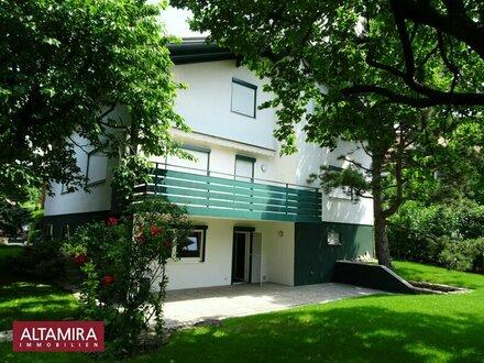 Zentral gelegenes Stadthaus mit 8 großzügigen Zimmern zusätzlich Seminarraum mit Gartennutzung!