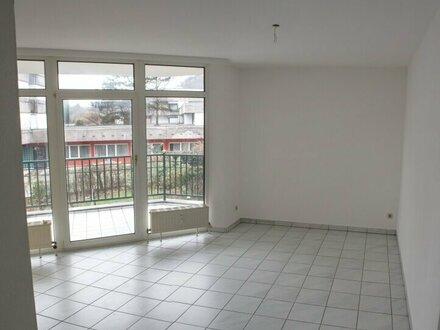 Sonnige, ruhige 2-Zimmer-Wohnung mit kl. Terrasse in Parsch zu vermieten