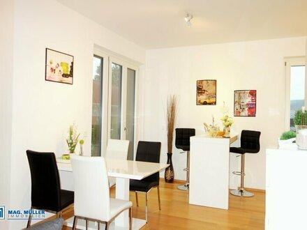 Stylisch & elegant! 2-ZI-Terrassen-Wohnung inkl. Tiefgarage in Architektenvilla